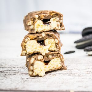 Delicious Crunchy Protein Bar - Cookies & Cream-0